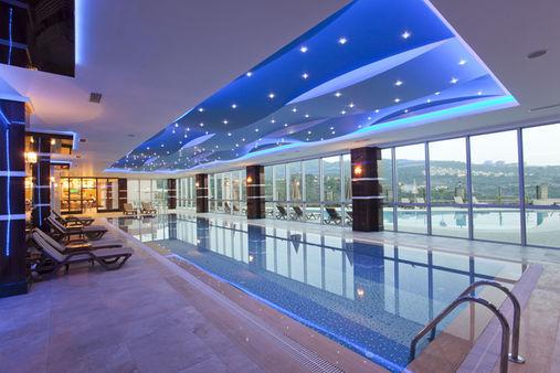 Indoor pool villa  KARGICAK VILLEN mit Meerblick.   _title_makelaars_